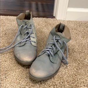 BARELY WORN - Faded Olive/Sea Foam Combat Boots